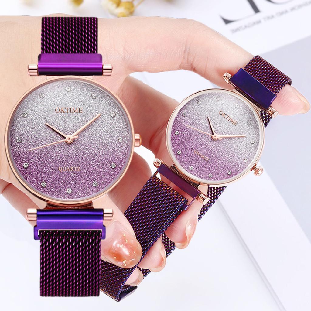 2019 Frauen-Uhr-Stern-Himmel Romantische Licht-Uhr weibliche dünne Quarz-Armbanduhr Damen Exquisite Armband Kleid Watchs