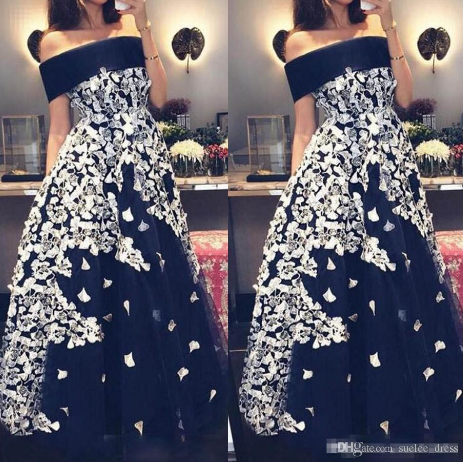 2019 Abiti da ballo con scollo a balze nero Tulle Satin Applique bianco Lunghezza pavimento Plus Size Abiti da ballo per feste da ballo formali