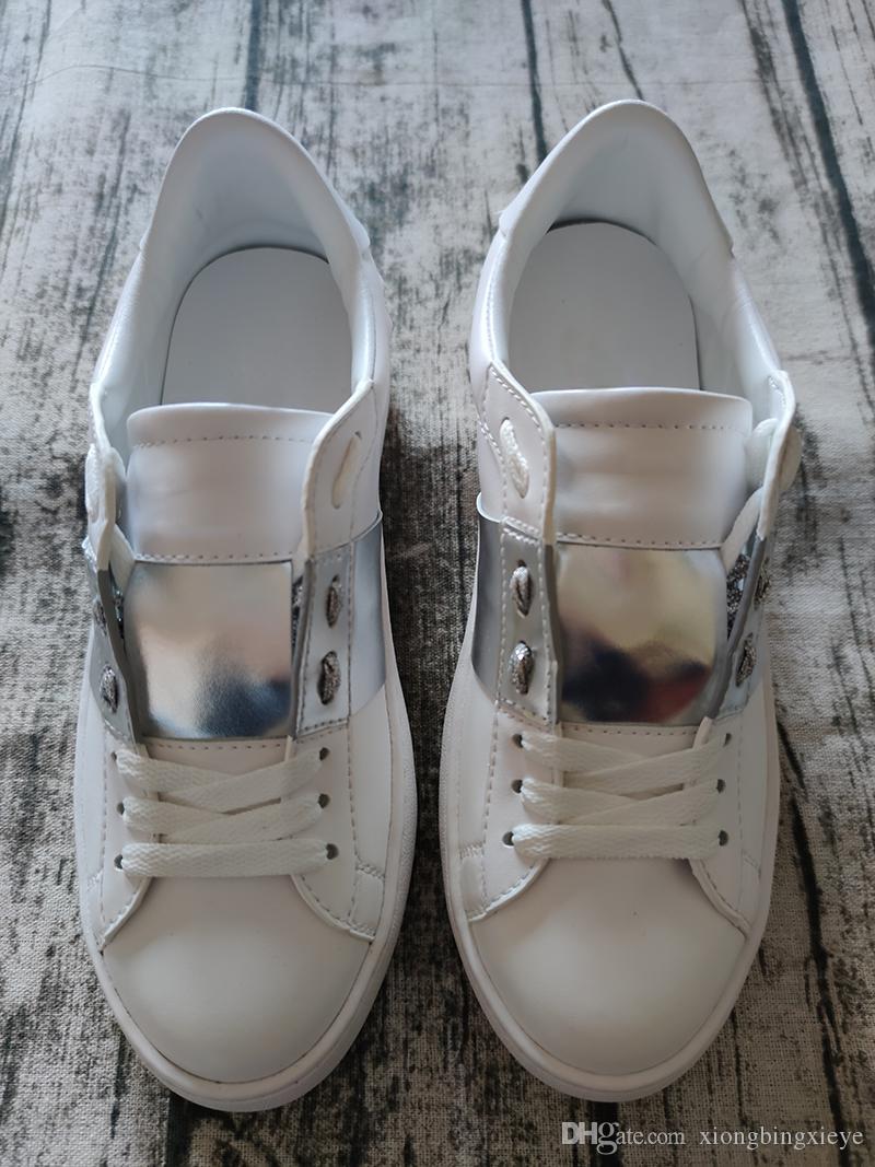 Les nouvelles chaussures hommes de luxe et de femme rayures rivets surdimensionné sport bon marché décoratif chaussures casual marche en cuir taille 35-48