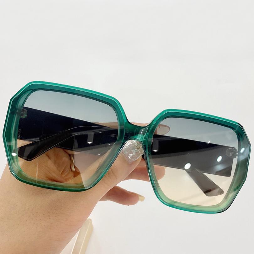 2020 Nuovo Designer con usura Tinted Original Original Lens Gradient Frame Occhiali da sole Box Grigio Green Donne Eye Occhiali da sole Traslucidi Occhiali da sole quadrati Donne FWFI
