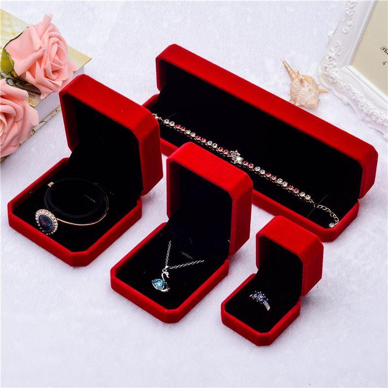 Nuove scatole di gioielli in velluto quadrato rosso Confezioni regalo per collane con ciondolo Anelli bracciale Bangle Wedding Coinvolgere Display Case in massa