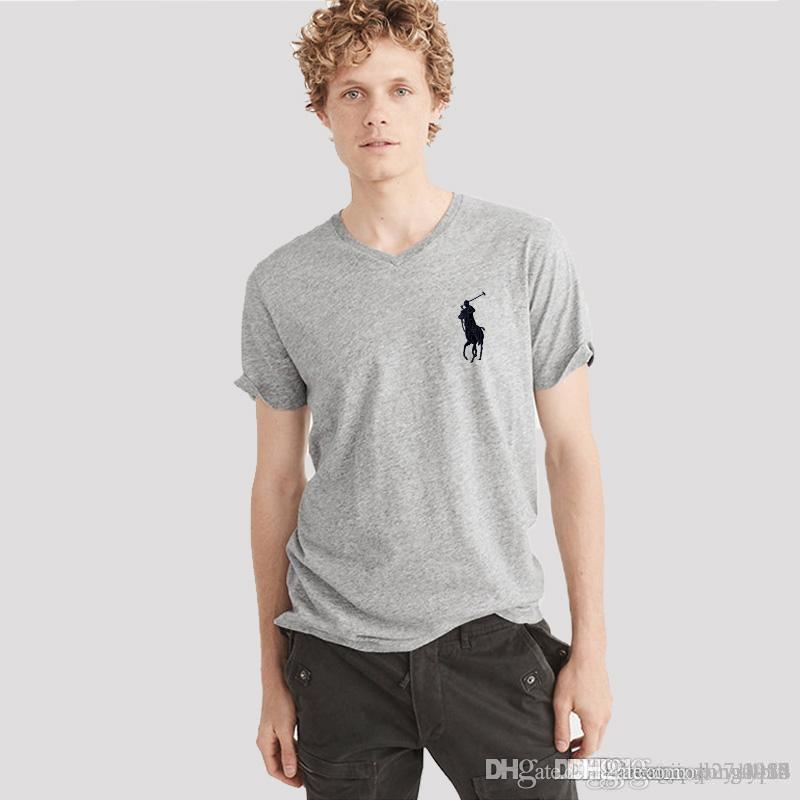 manga corta de los hombres 2018 nuevo verano delgada v-cuello de la camiseta de los hombres de la moda de los hombres y medio de manga desgaste camiseta