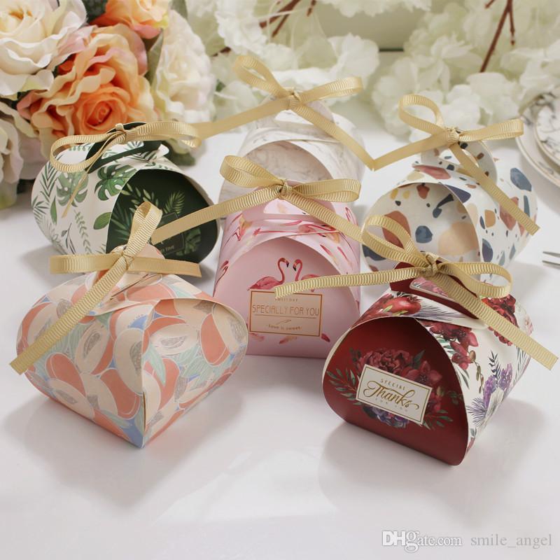 Yeni Varış Düğün Favor Kutuları Şerit Özgünlük Ile 7 Renk Şeker Kutuları Kağıt Hediyeler Kutuları Bebek Duş Doğum Günü Partisi Dekorasyon Sıcak Satış