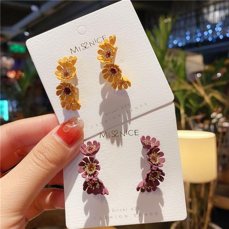 2019 neue Weinlese-koreanische Band-Ohrringe für Frauen eleganten süßen Kristall-Blumen-Kreis Schmuck Pendientes Geschenke