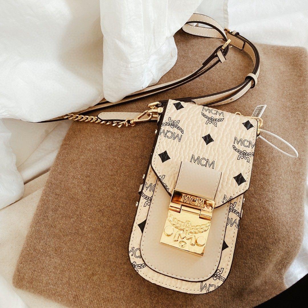 Vendedor caliente Marca Bolsa de pecho con caja de lujo Ocio Bolsas de hombro Fanny Pack Mujeres hombres Desinger Bolsa de cintura al aire libre Paquete envío gratis 20022189Y