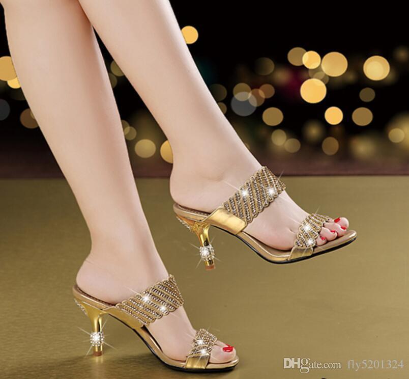 Yaz yeni vahşi rhinestone sandalet deri yüksek topuk stiletto kadın sandalet elmas artı boyutu bir kelime sürükle kadın sandalet gelgit