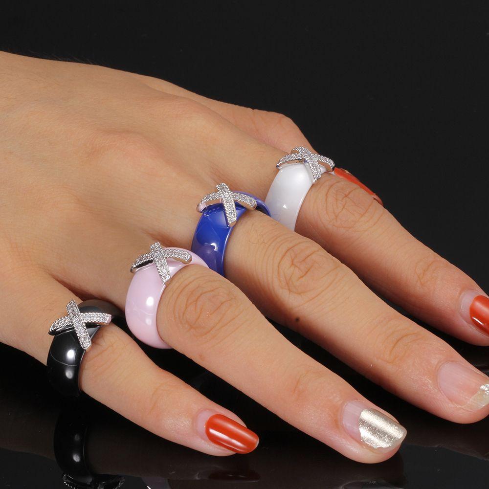 Fashion Schmuck-Frauen-Ring mit Kristall 8 mm X Kreuz Keramikringe für Frauen Hochzeit Zubehör Geschenk-Entwurf