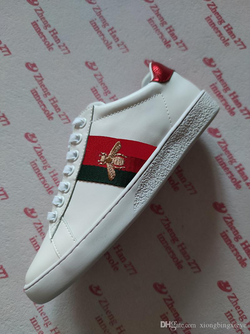 2020 chaussures de luxe triple chaussures de sport noir et blanc des hommes et des femmes DESIGNERS chaussures plates chaussures de sport d'abeille rayures serpent noir étoiles de luxe rétro