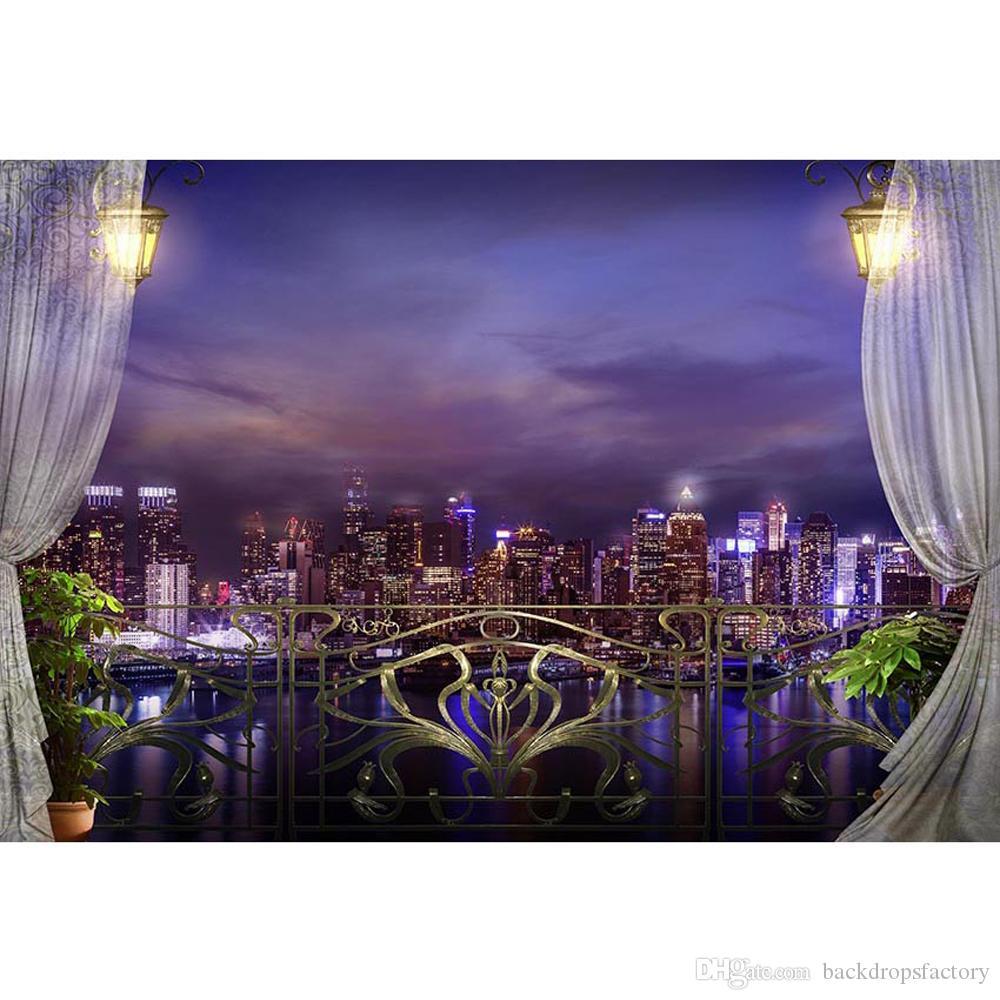 Gece Manzarası Fotoğrafçılık Backdrop Şehir Binaları Mor Mavi Gökyüzü Nehir Baskılı Perdeleri Retro Fenerler Balkon Fotoğraf Arka Plan