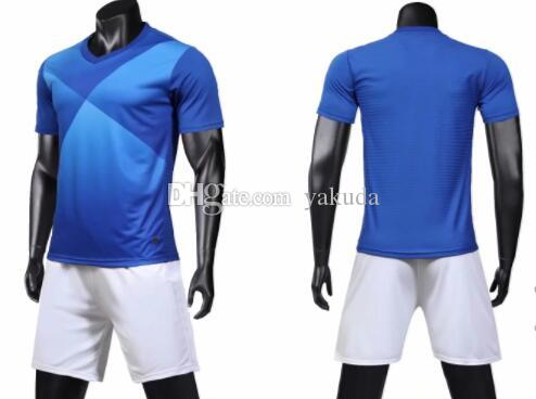 diferentes estilos Mens Futebol projeto popular costume de futebol vestuário customed Sets jérsei com shorts Uniforme kits Sports
