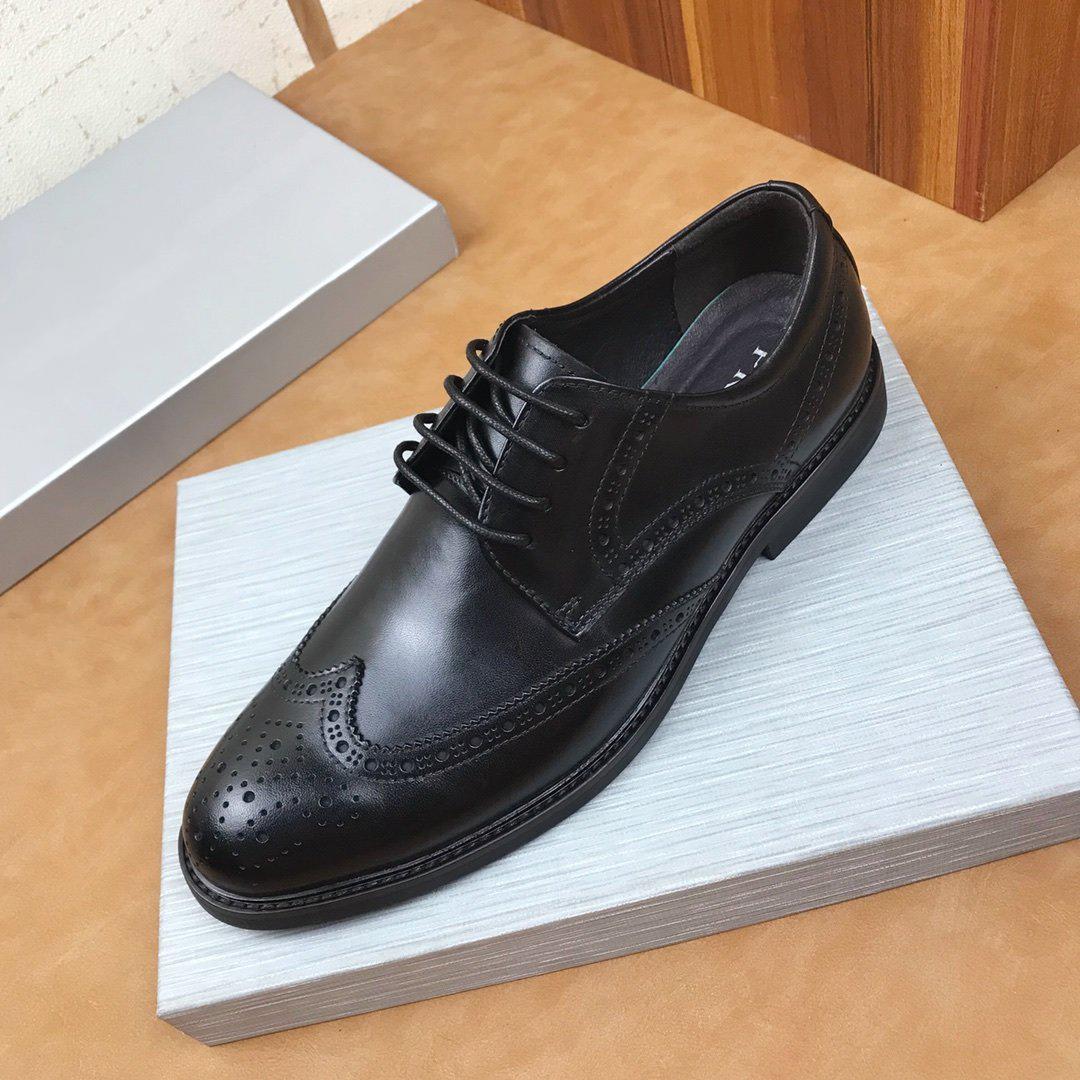 Oficina Hombres Oxford italiana de diseño de moda de doble color marrón zapatos de cuero de punta estrecha formal boda de la manera de vestir de hombre