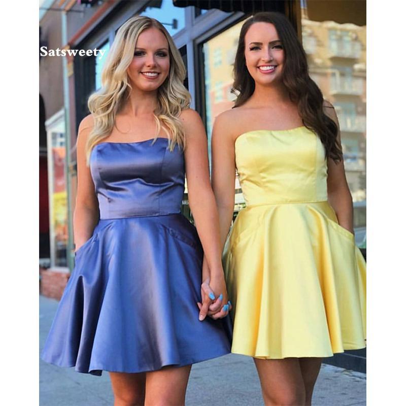 لونالخط = # ffff00  2020 مصغيرالتخرجالمتخرجالجماعيالفساتين مع الجيب بلا حمالات الخط الأصفر حفلة حفل كوكتيل الحرير