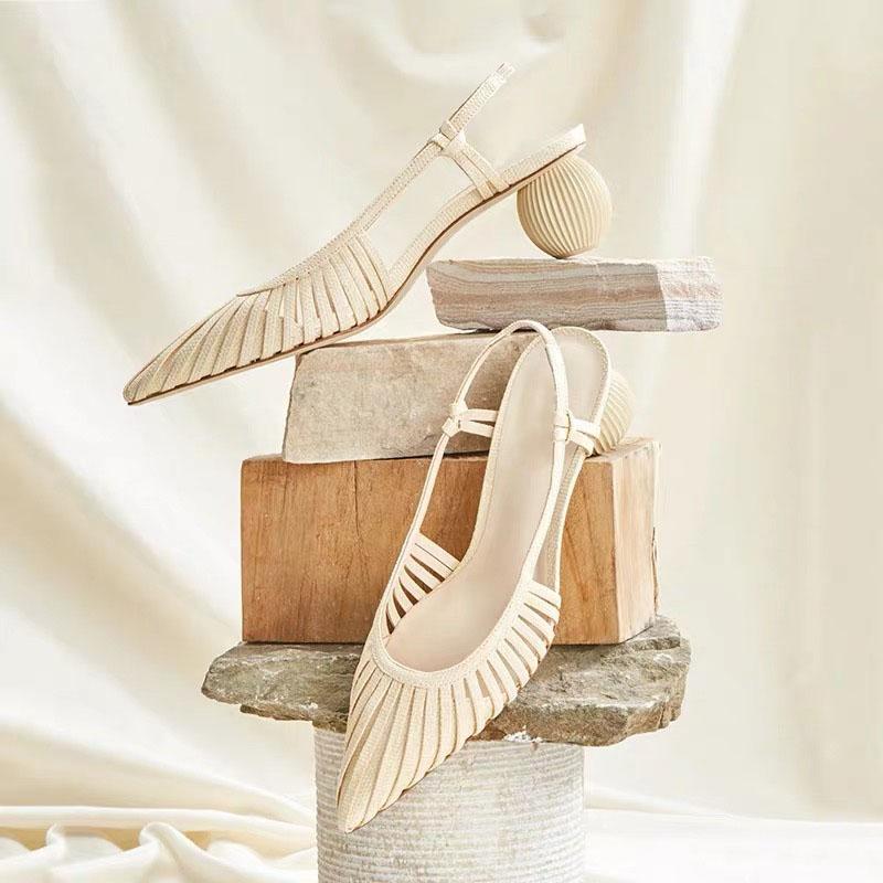 L'été 2020 évidé mi-talon, talon trapu, polyvalent dos vide talon haut, fée, Baotou, sandales, bout pointu, chaussure unique pour Wome