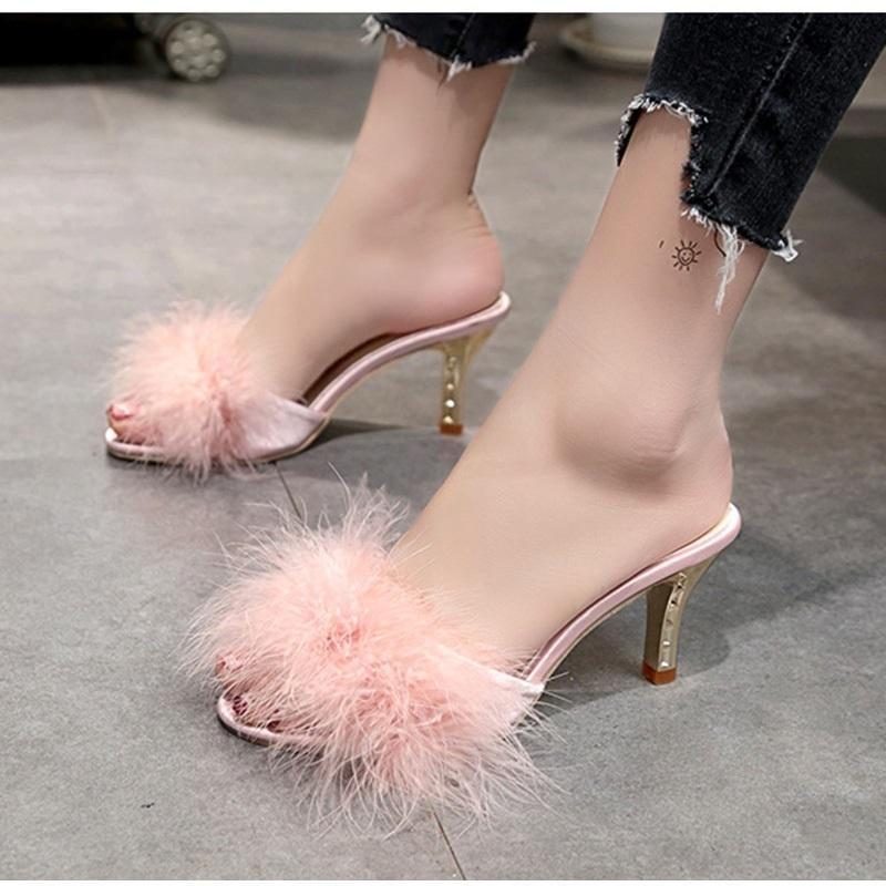 2020 Verão Mulheres Fur Mulher Chinelos Fino Salto Alto Calçados Femininos Pena Moda Feminina Peep Toe mulas Bombas Feminino Slides Y200423