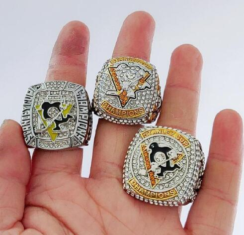 Belle commemorare anelli all'ingrosso 2009 2016 2017 Pittsburgh Penguins CROSBY Stanley Cup di hockey l'anello di campionato Set Men Fan Souve 3piece / lot