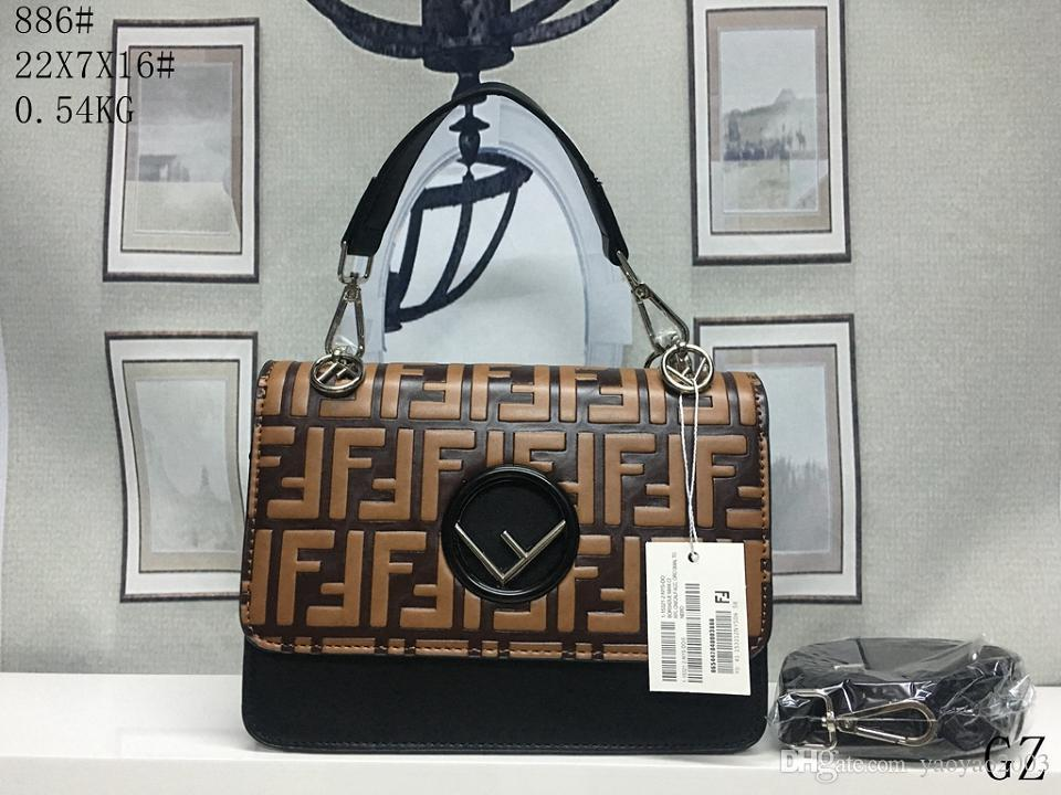 2018 New Designer Cross Body Bag Men Women Shoulder Bag Messenger Bags Key Wallets Bags Waist Bags