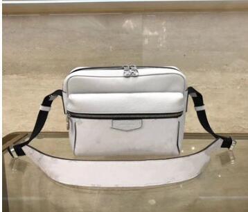 Haute qualité sac de taille en plein air Sac à main en cuir réel célèbre marque Hommes Sacs Designer Designer Sac à bandoulière en cuir Sac M30242