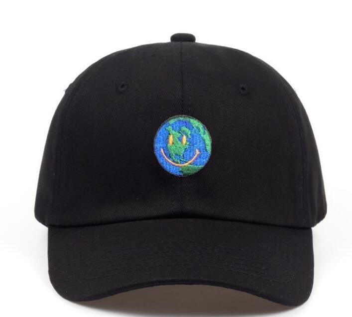 hommes et casquettes de baseball des femmes sont élégantes et peuvent être jumelés avec des chapeaux de soleil bloc