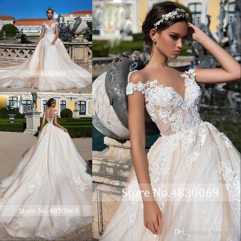 Einfach Strand Bohemian A Line Brautkleider 2020 Sheer Juwel Ausschnitt mit langen Ärmeln Brautkleider Sweep Zug-Spitze-Hochzeits-Kleider