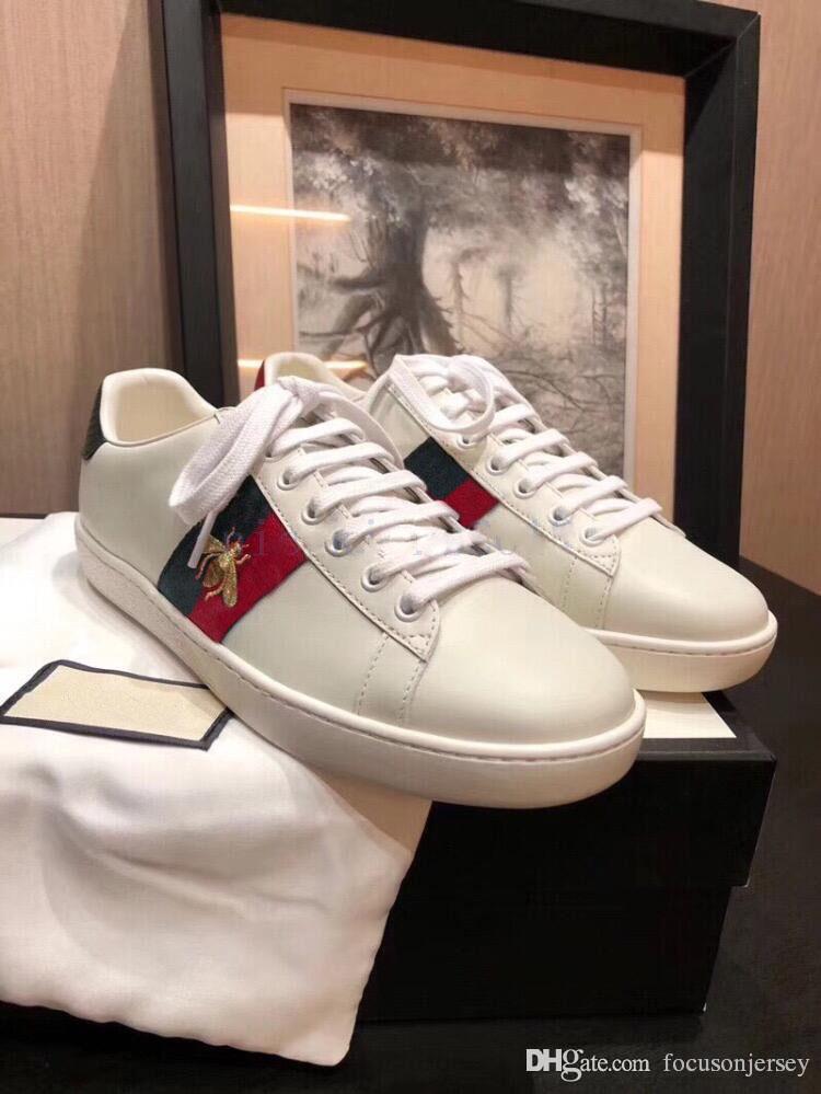 2019 럭셔리 디자이너 남성 여성 운동화 캐주얼 신발 낮은 맨 이탈리아 브랜드 에이스 꿀벌 줄무늬 신발 산책 스포츠 트레이너 CHAUSSURES은 병력을 붓고