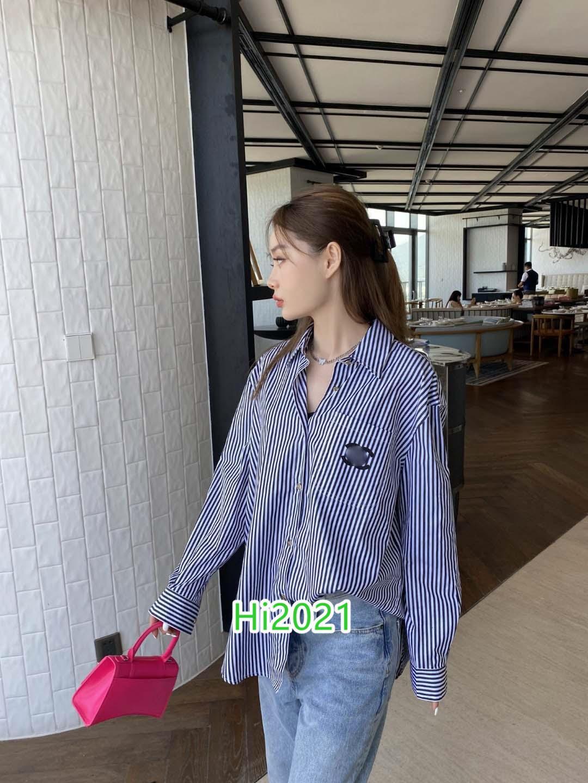 하이 엔드 여성 여자 캐주얼 대비 색 코튼 스트라이프 셔츠를 하나의 가슴 편지 아플리케 포켓 2020 패션 디자인 느슨한 셔츠 블라우스