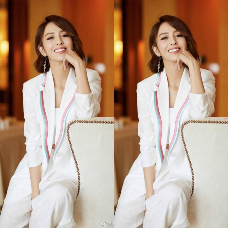 Set printemps féminin et été nouveau style à manches longues costume blanc pantalon large jambe costume féminin vent mince britannique en deux parties