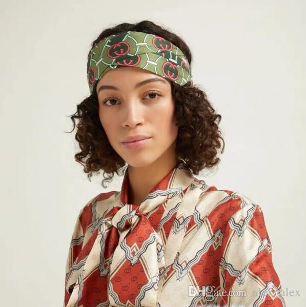 Nouveau 2019 Designer Bandeau Élastique pour Femmes Marque De Mode Bandeau Pour Les Femmes Fille Rétro Turban Headwraps Cadeaux 3 couleurs