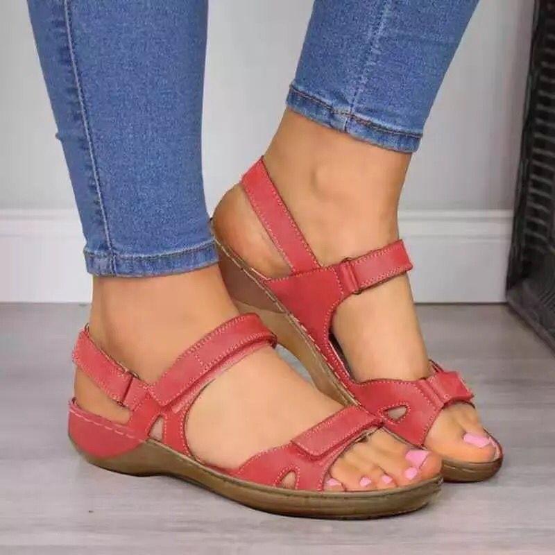 Yeni 2020 Yaz Kadın Sandalet Yumuşak Dört Renk Dikiş Bayanlar Sandalet Düz Açık Burun Koşu Ayakkabı Kadın Sneakers
