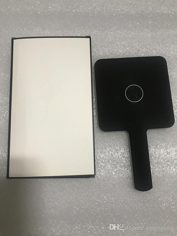 حار بيع 2019 جديد النمط الكلاسيكي c مصغرة ماكياج مرآة عالية الجودة اليد مرآة أدوات التجميل مع هدية مربع هدية الزفاف (أنيتا لياو)