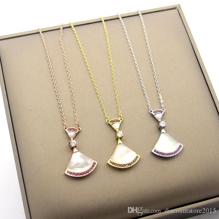 Nuovo arriva di lusso Lady Fashion Brass B Lettera 18 carati placcato oro collane con madreperla bianca Pink Diamond Pendant
