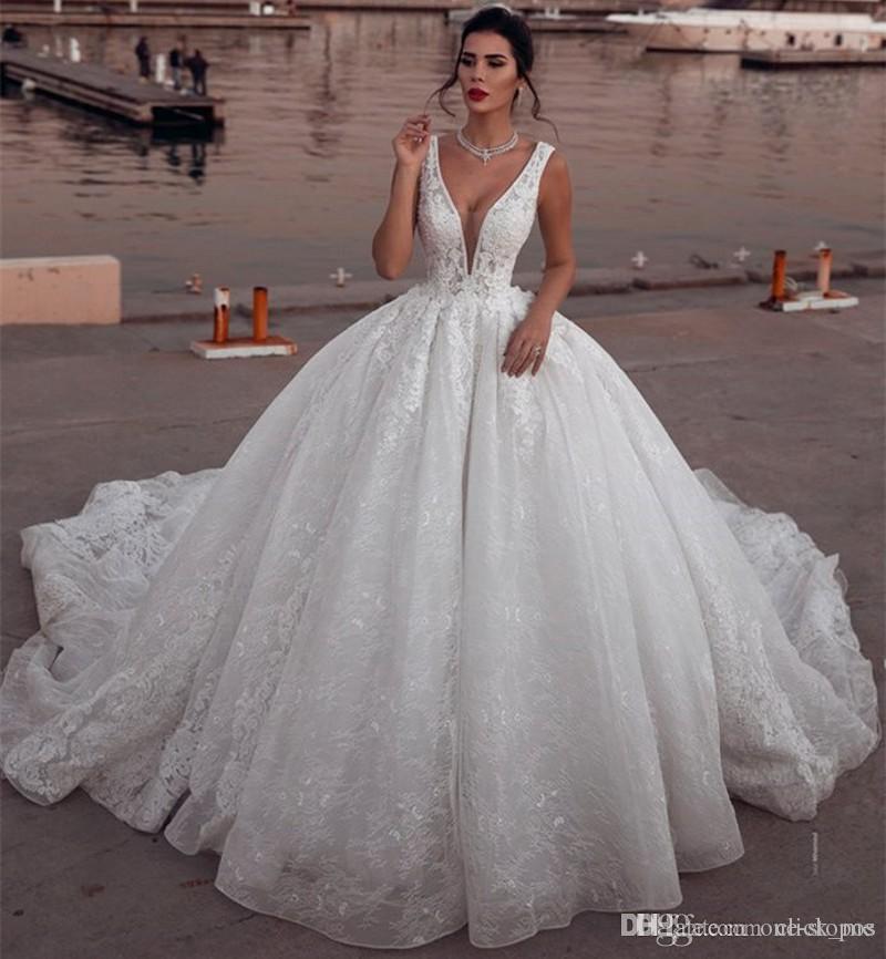 Encantador vestidos de noiva de renda com profundo pescoço de vice-neck vestido de bola vestido de noiva costume feitos sob encomenda Bohemia vestidos de noiva estilo country plus size