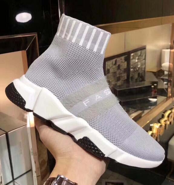 2019 Nouveau Designer Chaussures Speed Runner Chaussures mode Sock Triple Noir Bottes Rouge plat Entraîneur Hommes Femmes Chaussures Casual Sport avec sac à poussière n3