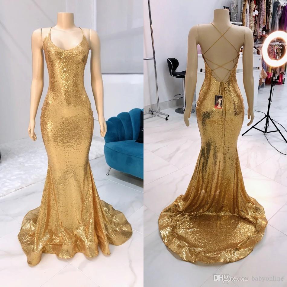 Sirena d'oro pizzo Prom Dresses 2020 Aperti sexy indietro Halter sera del partito di Red abiti Vestidos de fiesta partito della celebrità Abiti da vacanza