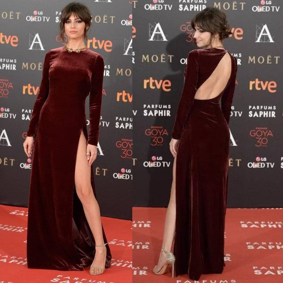 Arabe Aso Ebi Bourgogne Sexy Robes de soirée pas cher Backless velours Robes de bal formelles Haute fendus Party Second Robes de réception