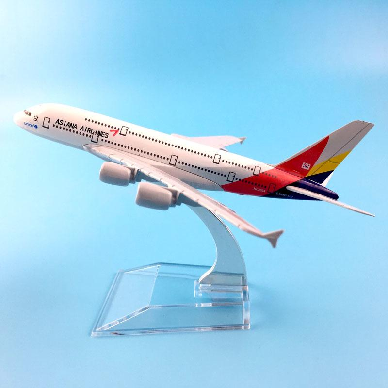 FREE SHIPPING16CM Asiana Airlines Modellflugzeug Flugzeug-Modell Spielzeug-Flugzeug BIRTHDAY GIFT Y200428