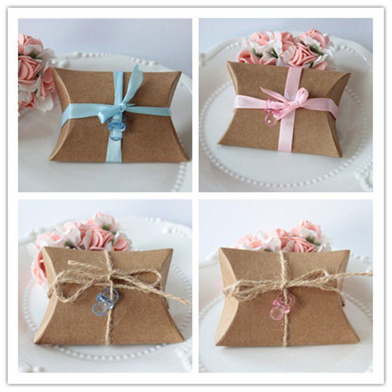 100 adet / grup Kahverengi Sevimli Küçük Yastık Şekli Şeker Kutusu Eski Rustik Düğün Favor Parti Konuk Hediye Çantası Ile Kraft Kağıt Ambalaj Çanta şerit