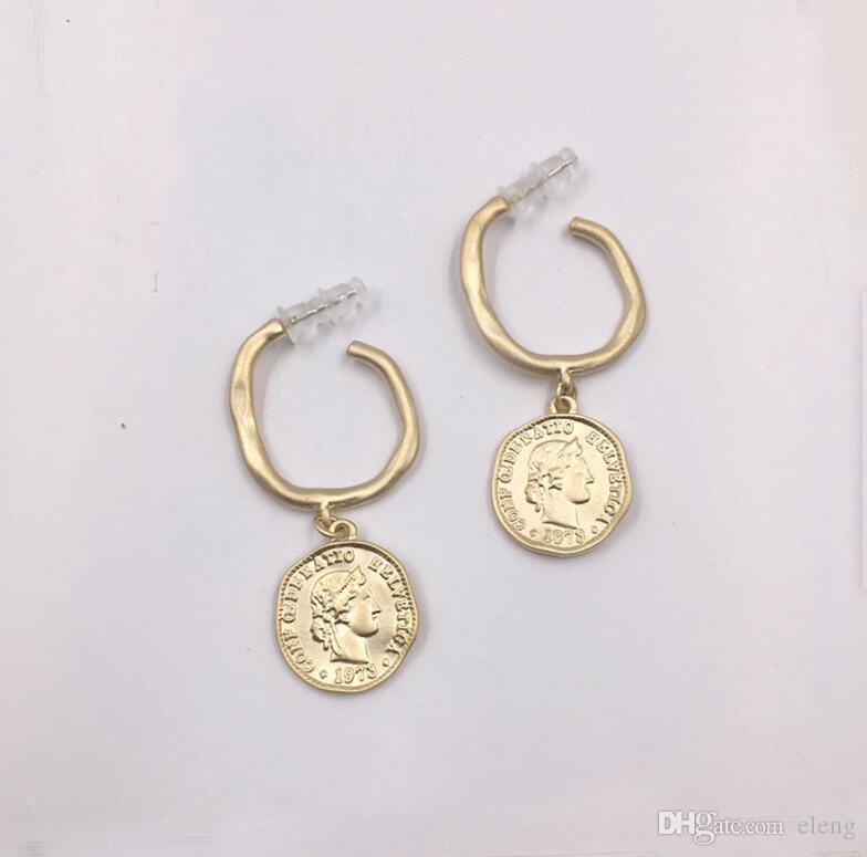 2019 marchi esagerazione americana cerchio moneta orecchini gioielli per le donne regalo del partito spedizione gratuita 238