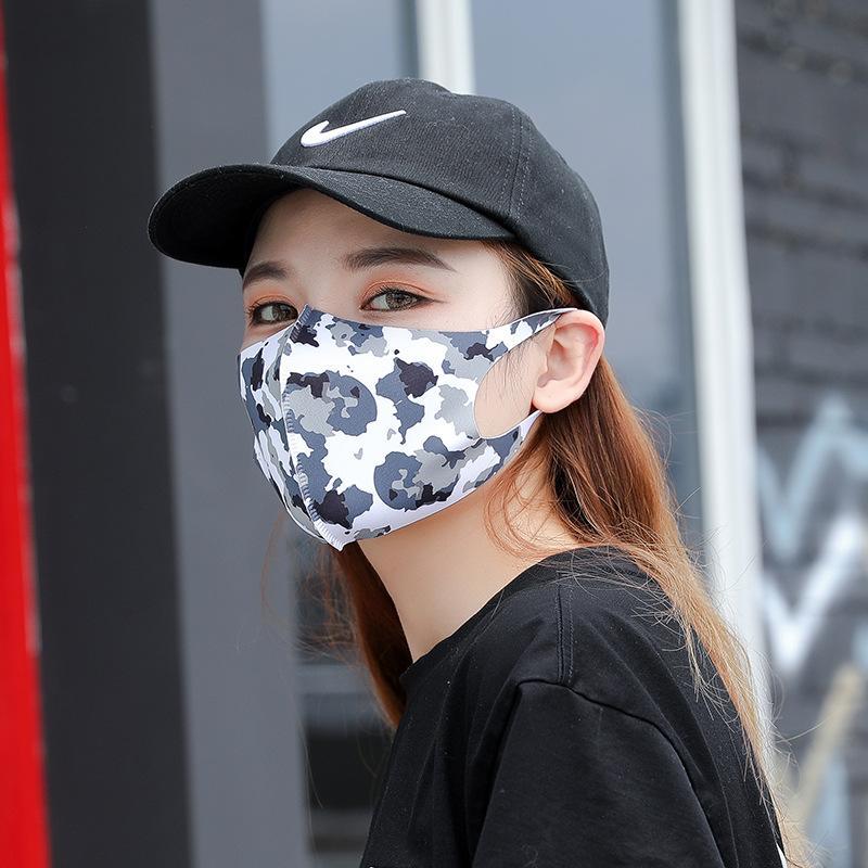 Дизайнер моющийся Ice Шелковый Мода Printed лица Маски для взрослых против пыли Рот муфельной многоразовый Рот маска Anti-Dust мускус тряпичные маски FY9047
