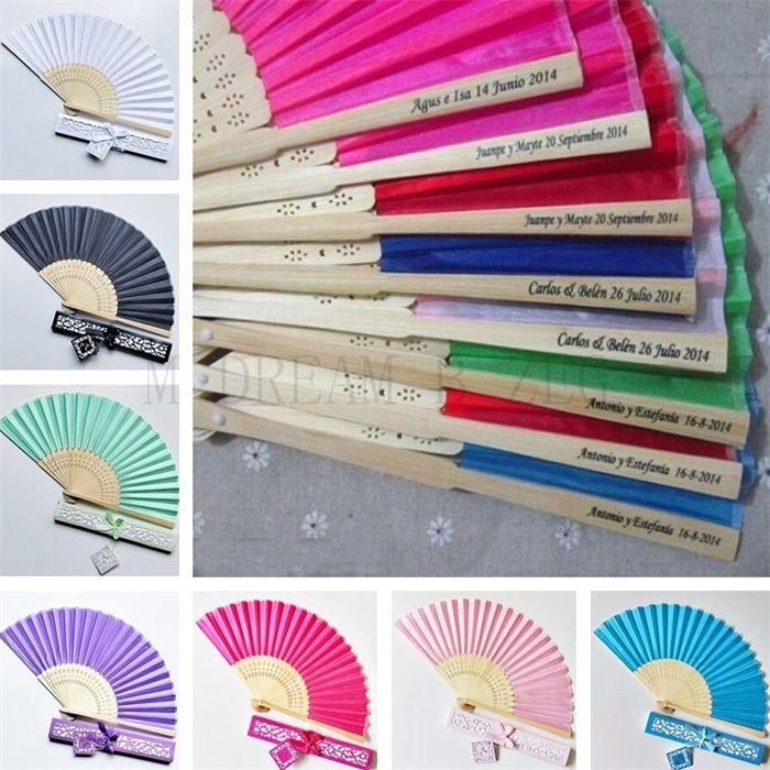15 الألوان شخصية المشجعين الزفاف طباعة النص على الحرير والمراوح اليدوية أضعاف مع هدية مربع حفل زفاف تفضل والهدايا