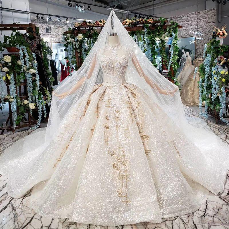 2019 Latest Bohemian Wedding Dresses Sleeveless Open Keyhole Back Illusion Tassel High Neck Luxury Applique Pattern Bridal Gowns Garden