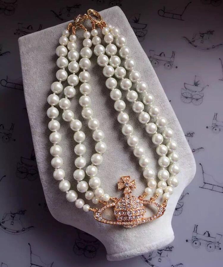 moda europee e americane a tre strati ad alta partito del regalo di strass collana di perle a catena pista ladies fashion satellitare breve collana qual