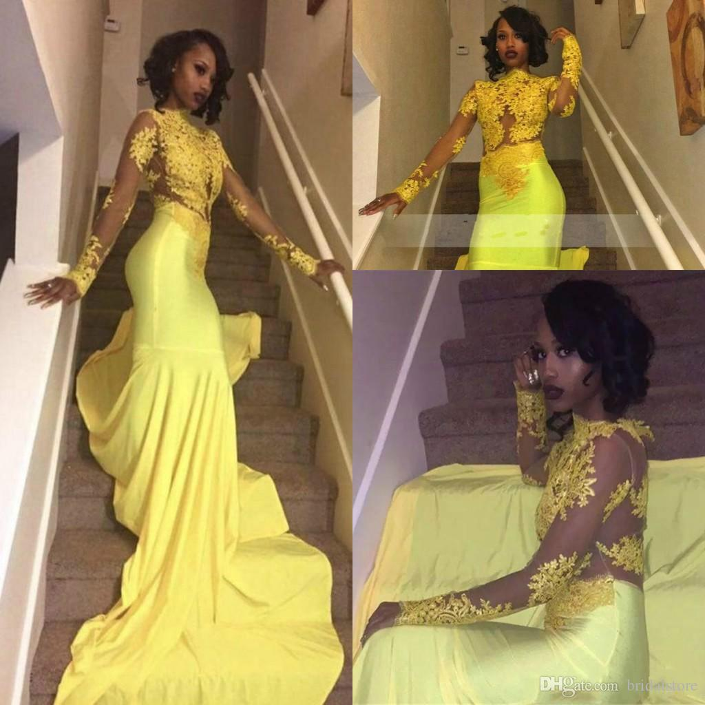 Black Girls Yellow Mermaid Prom Dresses Elegante collo alto Vedere attraverso Top Pizzo maniche lunghe Abiti da sera Sheer Back gonna attillata con treno