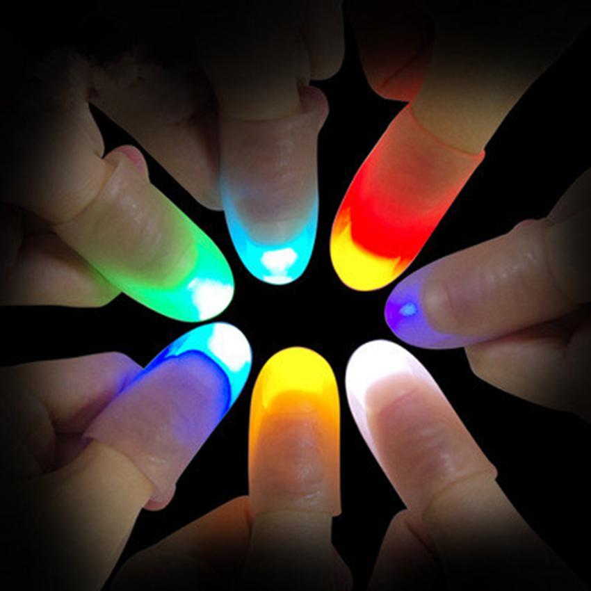 1 개의 쌍 마술 엄지 끝은 댄스 파티 소품 장난감 ZZA440을위한 마술 트릭 손가락 조명을 주도했다.