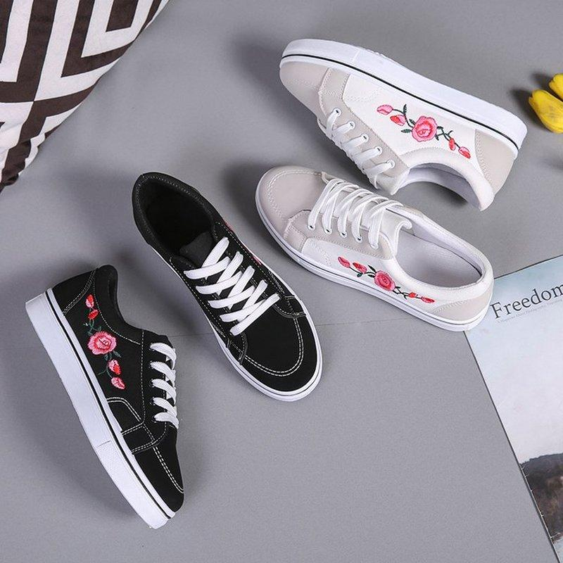 Kadınlar Günlük Ayakkabılar İlkbahar ve Sonbahar Bayanlar Tuval Ayakkabı Nakış Tasarım Dantel-up Kadınlar Moda 2019 Yeni DFG674 için Düz Ayakkabı