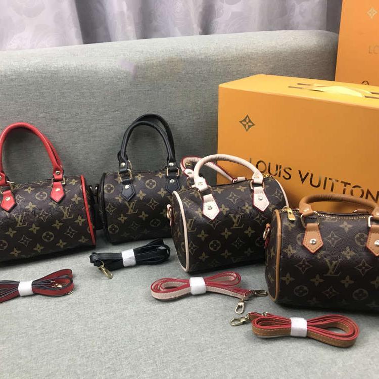 2020 Mujeres Diseño bolso de la cintura del bolso de Crossbody de lujo Fanny Marca Paquete exterior Bolsas de hombro Bolsas de mensajes B102680K