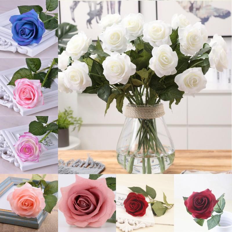 Falso artificial Una rosa real toque el material de las flores artificiales boda de Rose Mano que sostiene la seda rosa solo tallo de las rosas