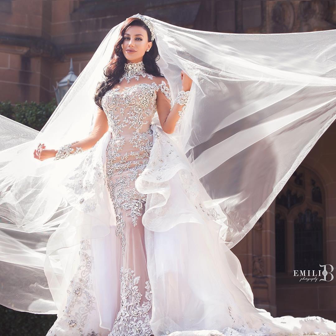 Luxury Crystals Mermaid Wedding Dress Beaded Applique Long Sleeves Sexy Bridal Dress Gorgeous Dubai Bride Gown Overskirt robes de mariée