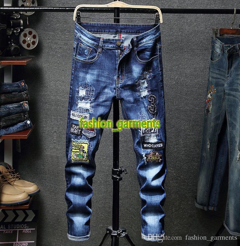 2019 neue Mens Persönlichkeit Locomotive Loch gestickte Jeans Jugend Männer nehmen Stretch gerade lange Hosen Trend Fashion Stylist Jeans