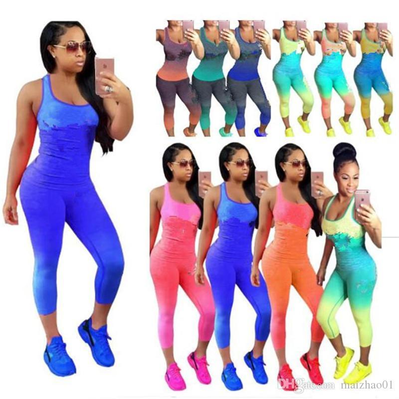 Gradyan Moda Tasarımı Eşofman Kadın Kıyafetler Kolsuz Tanklar Yelek + Tozluklar Tayt 2 adet Seti Harf Spor Suit Giyim yazdır