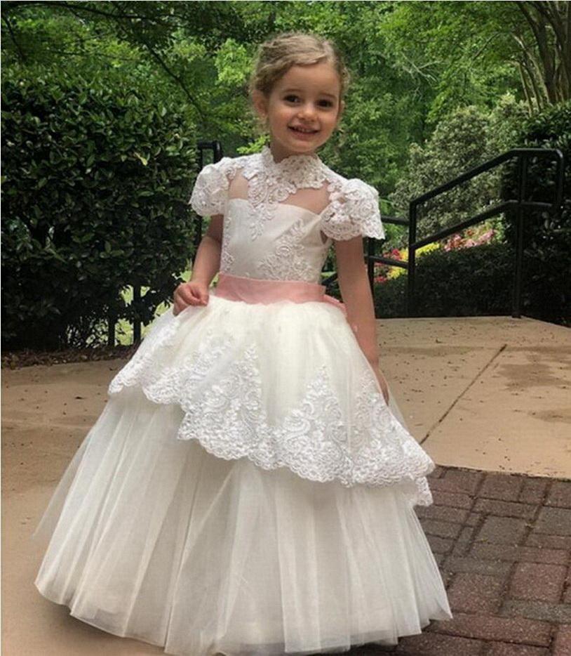 Modest Tulle bola vestidos com Ocasião Lace apliques Bow Para Especial Flower Girl personalizado Vestido gola alta Illusion Voltar